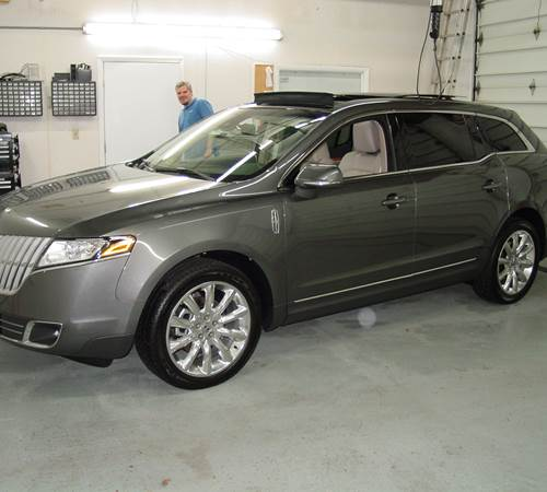 2011 Lincoln MKT Exterior