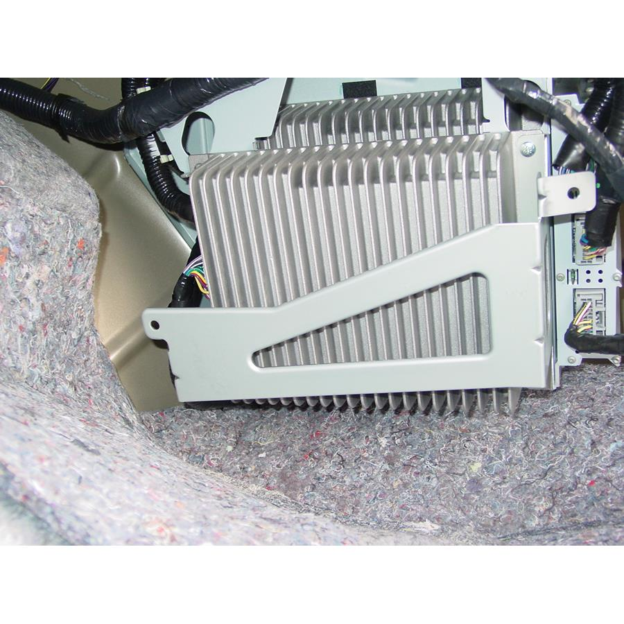 2006 Lincoln Zephyr Factory amplifier