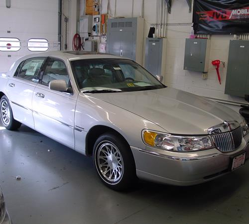 2002 Lincoln Town Car Find Speakers Stereos And Dash Kits That