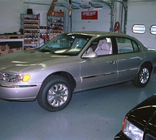 2001 Lincoln Continental Exterior