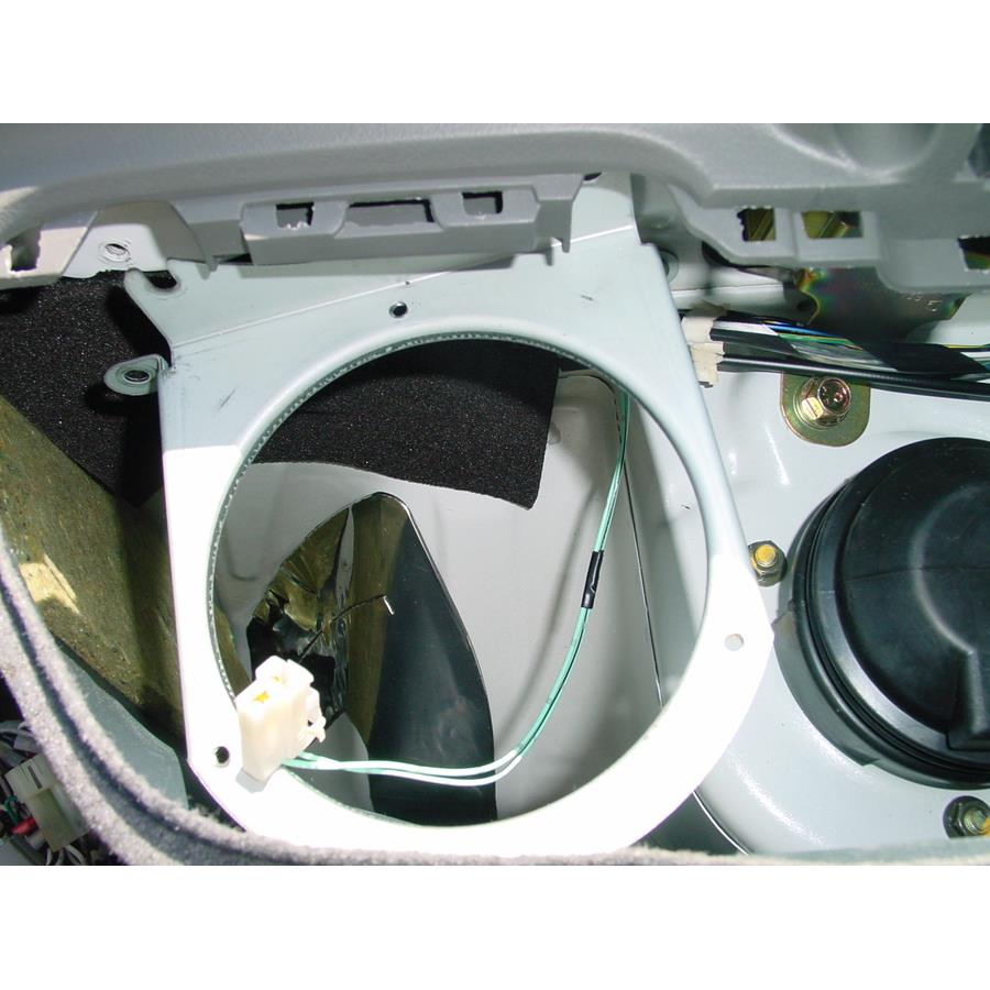 2002 Suzuki Esteem Side panel speaker removed