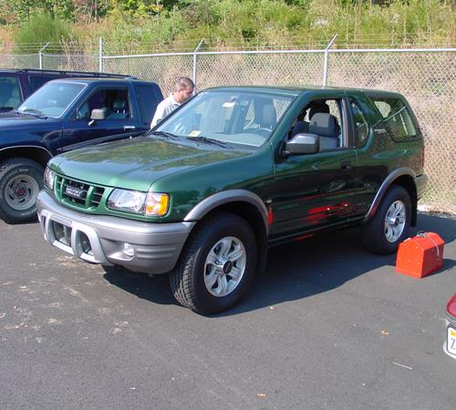 2001 Isuzu Rodeo Sport - find speakers, stereos, and dash