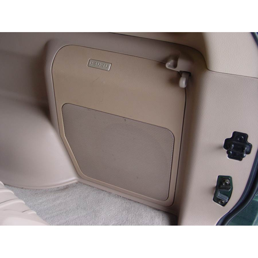 2003 Isuzu Rodeo Far-rear side speaker location