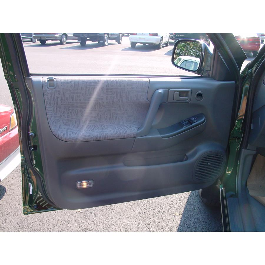 2003 Isuzu Rodeo Sport Front door speaker location