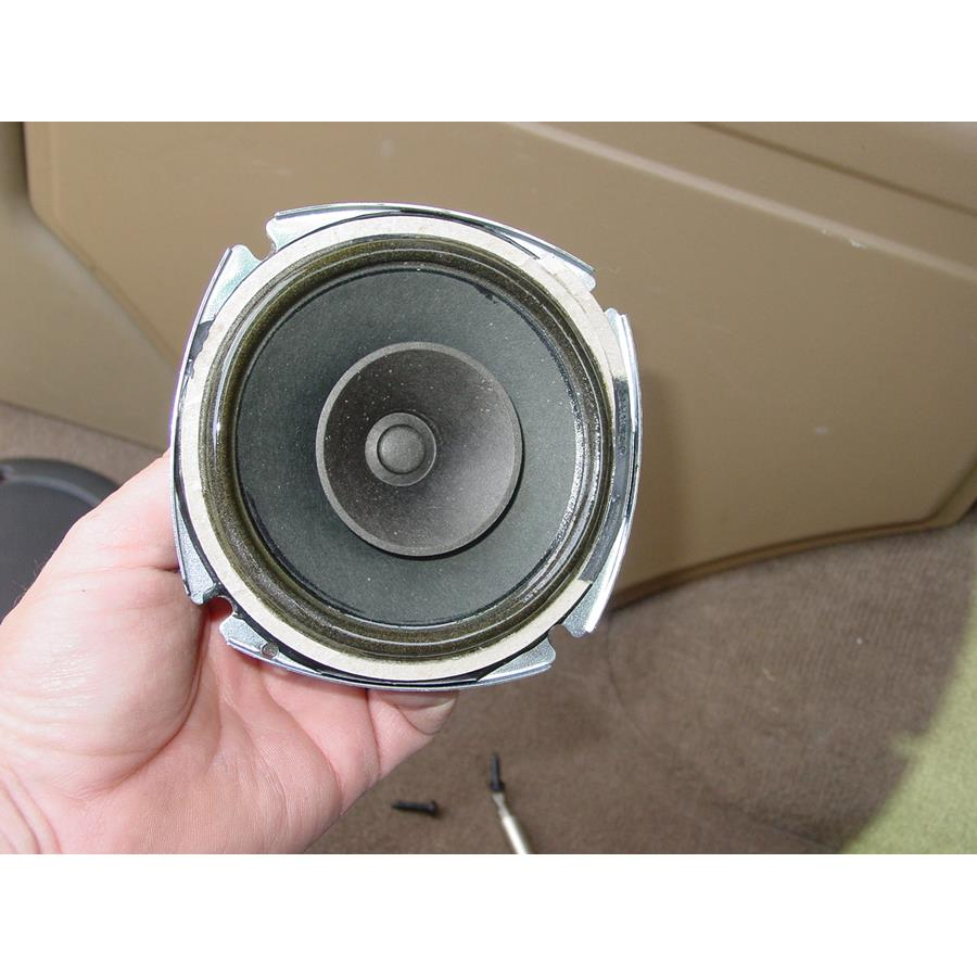1998 Land Rover Discovery Rear pillar speaker