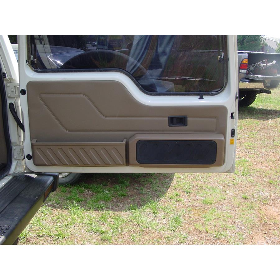 1998 Land Rover Discovery Tail door speaker location