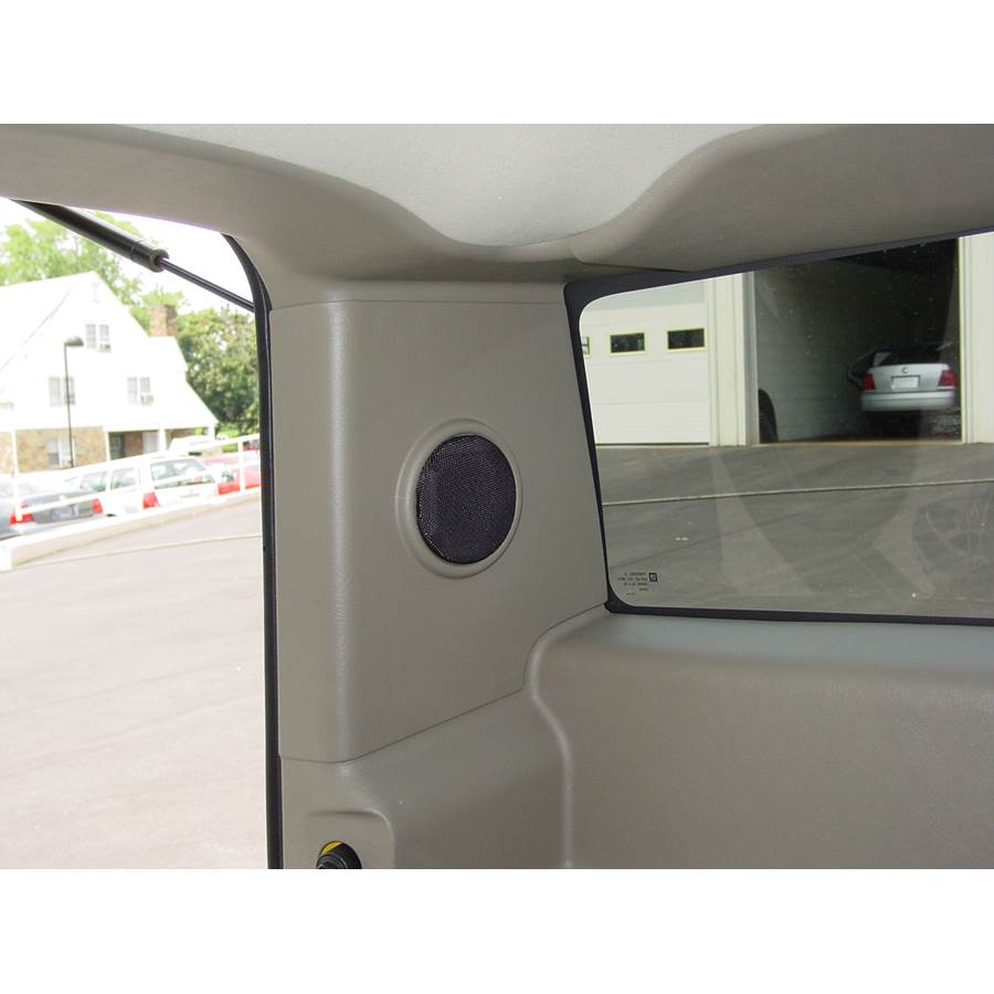2004 Hummer H2 Rear pillar speaker location