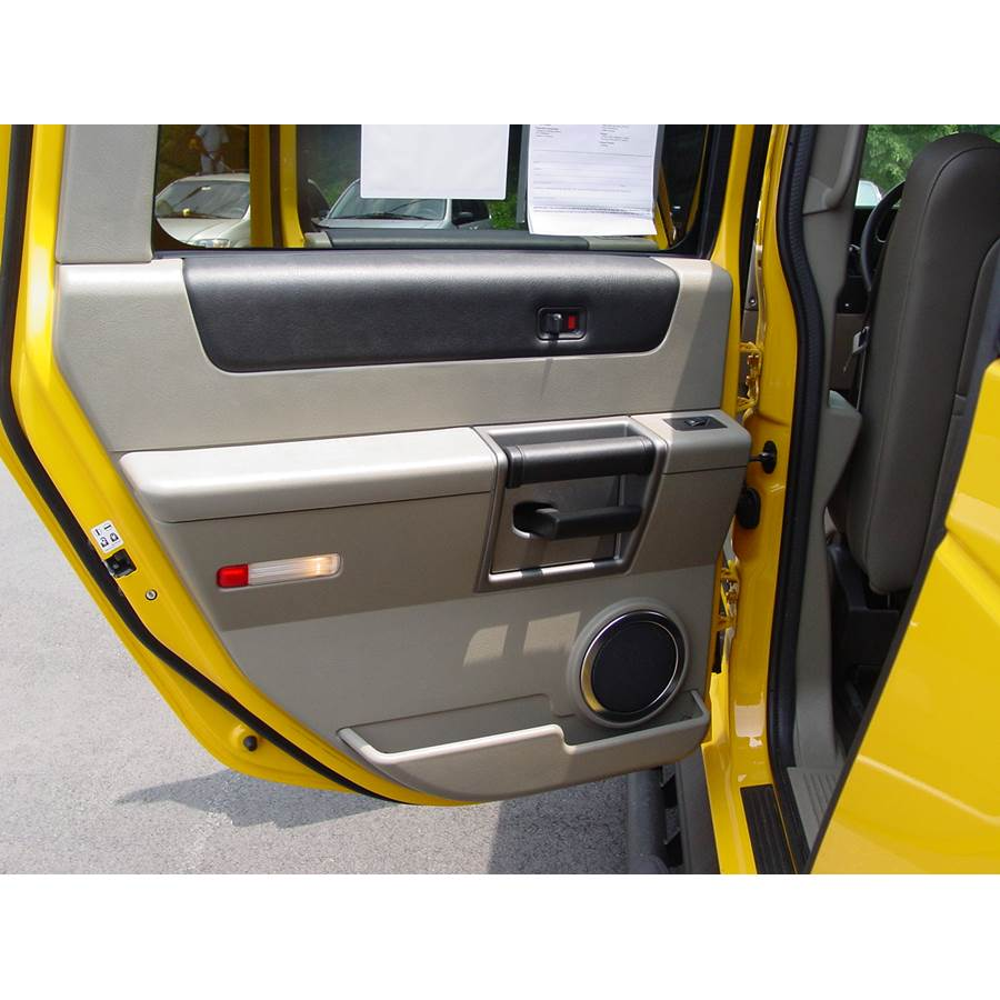 2009 Hummer H2 Rear door speaker location
