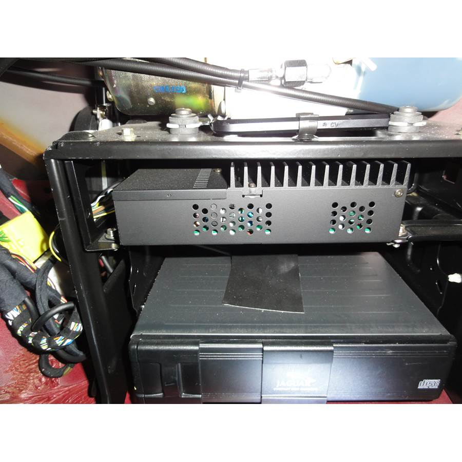 2004 Jaguar XK8 Factory amplifier