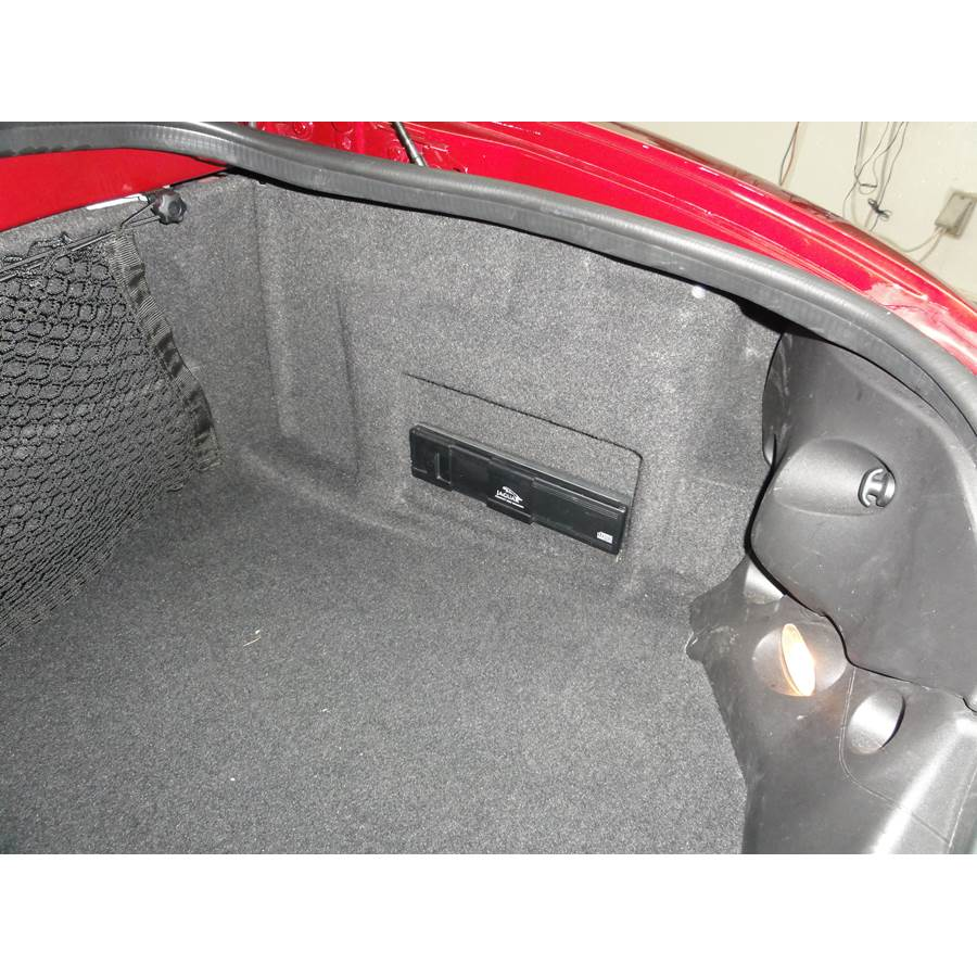 2004 Jaguar XK8 Factory amplifier location