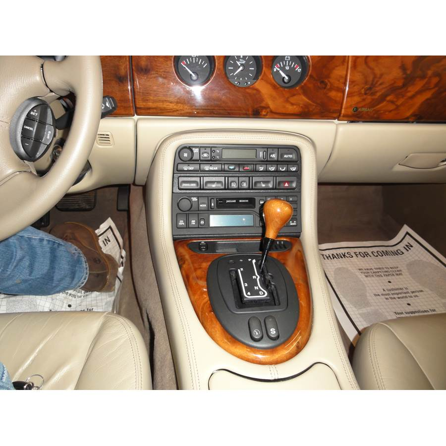 2004 Jaguar XK8 Factory Radio