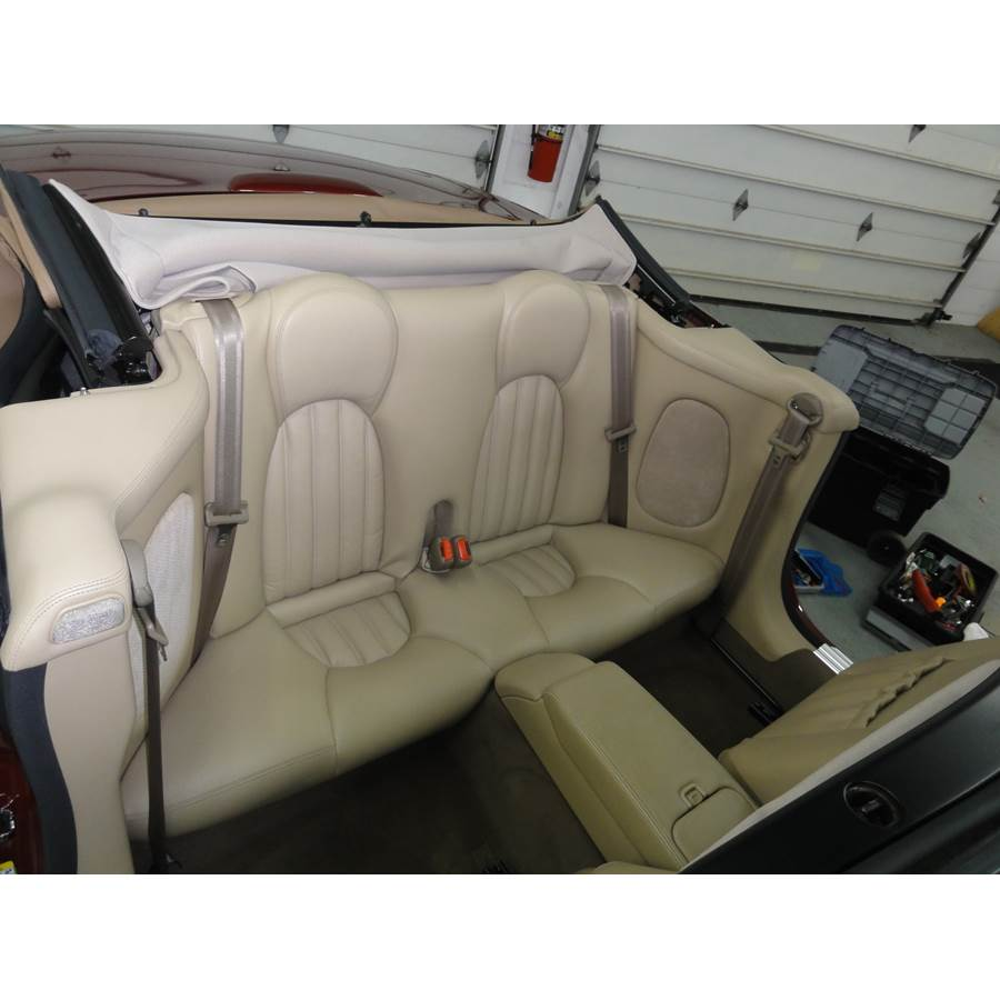 2004 Jaguar XK8 Rear side panel speaker location
