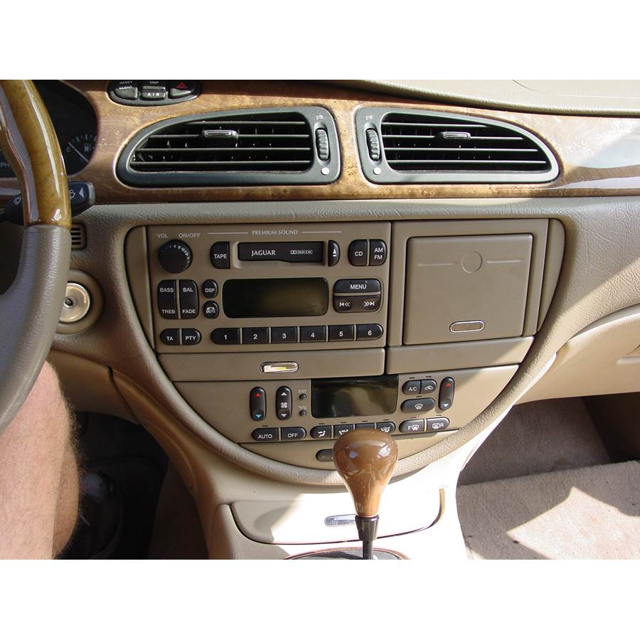 2000 Jaguar S-Type Factory Radio