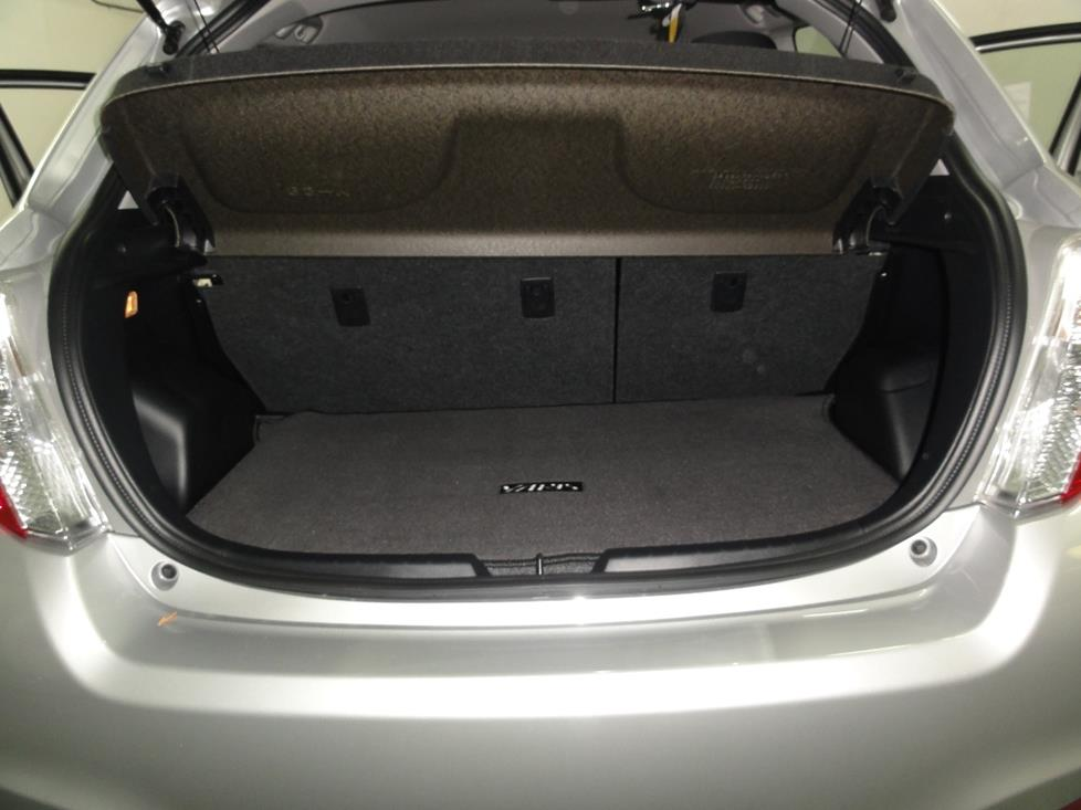 toyota yaris trunk