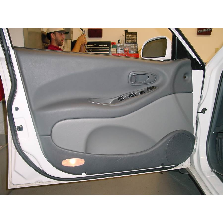 2001 Daewoo Leganza Front door speaker location
