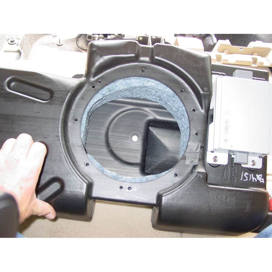 2009 Ford Explorer Far-rear side speaker removed