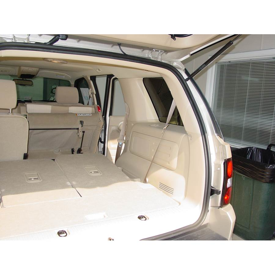 2009 Ford Explorer Far-rear side speaker location