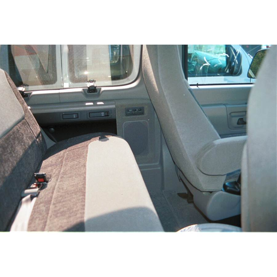 1997 Ford Club Wagon Mid-rear speaker location