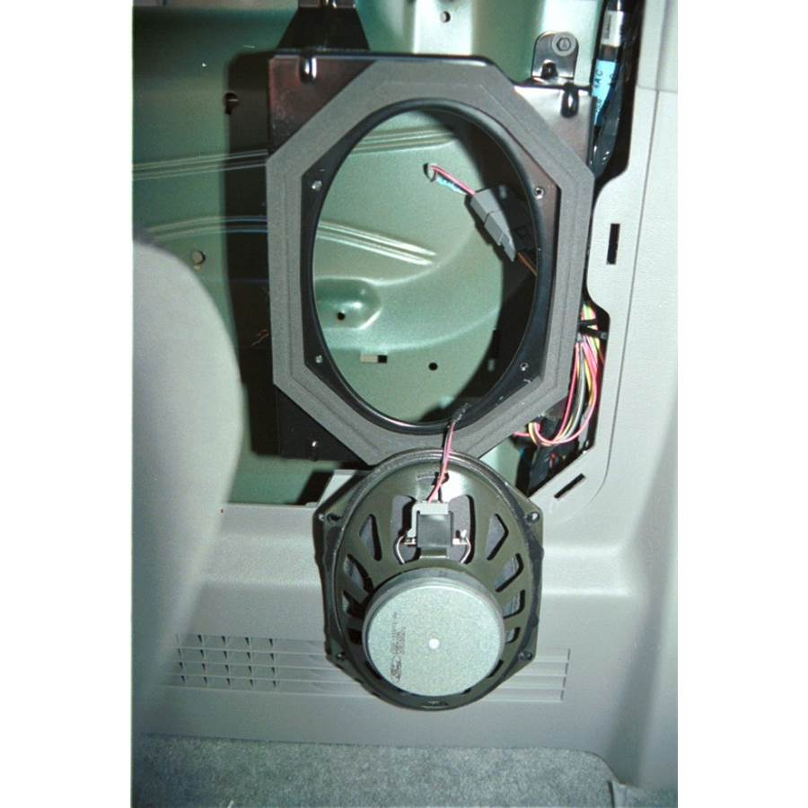 2004 Ford Econoline Mid-rear speaker removed
