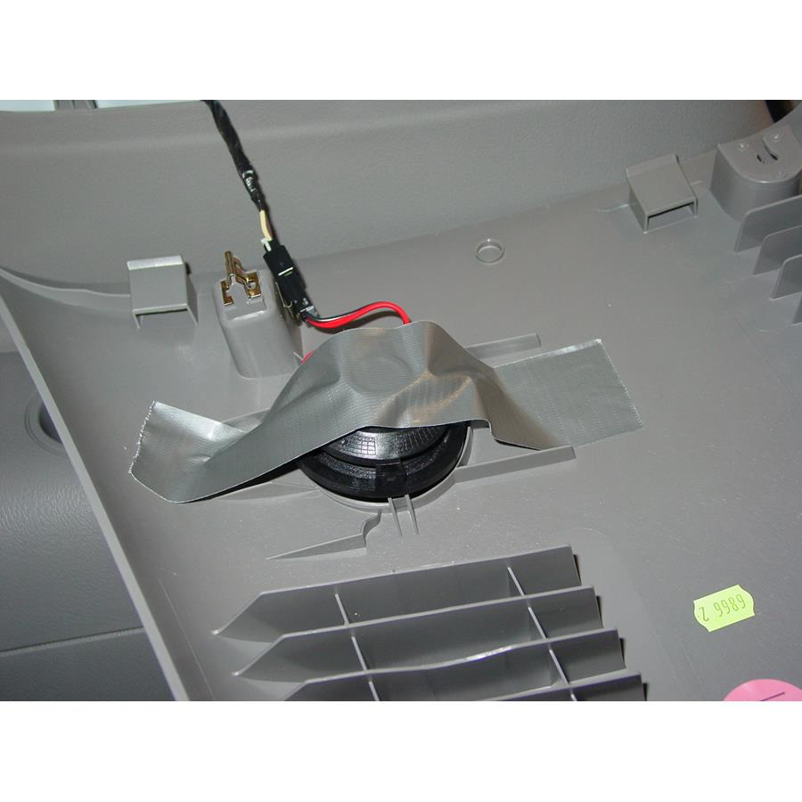 2008 Chevrolet Uplander Mid-rear speaker