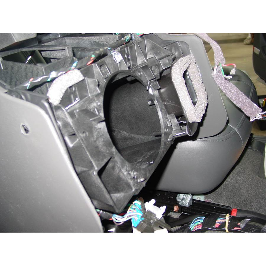 2005 Chevrolet Tahoe Center console speaker removed