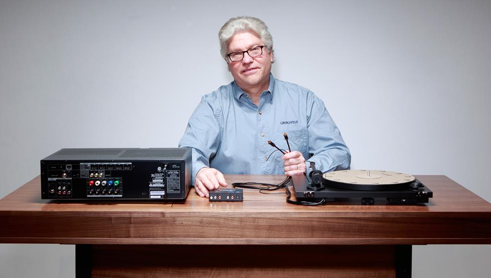 The author attempts to connect a turntable and receiver