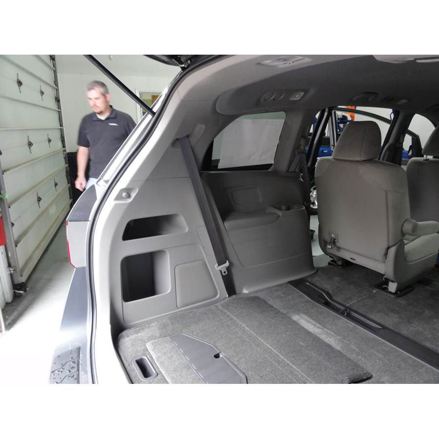 2014 Honda Odyssey Touring Far-rear side speaker location