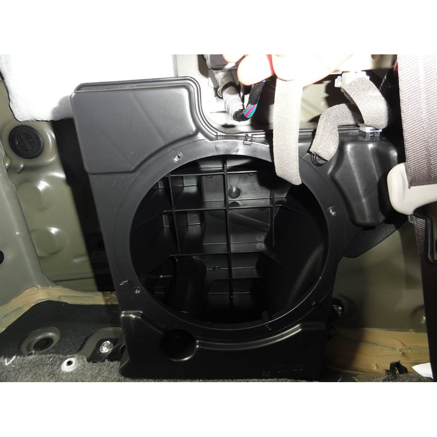 2017 Honda Odyssey EX Far-rear side speaker removed
