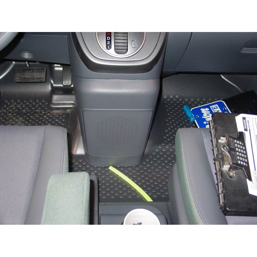 2005 Honda Element Dash floor speaker location