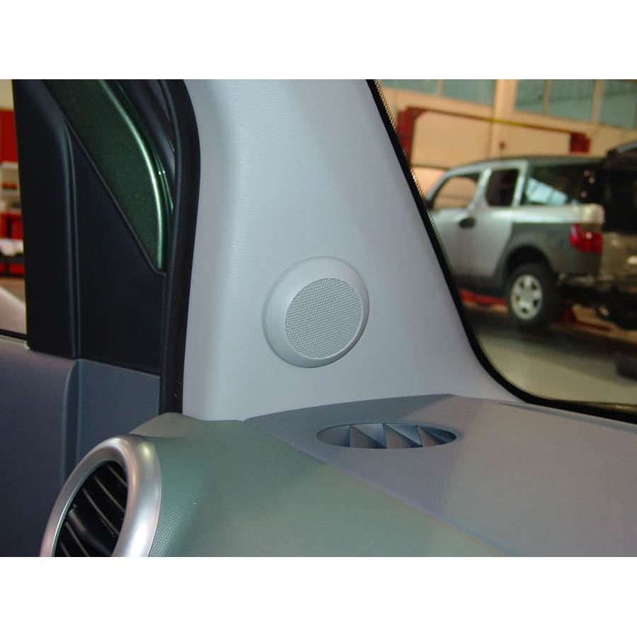 2005 Honda Element Front pillar speaker location