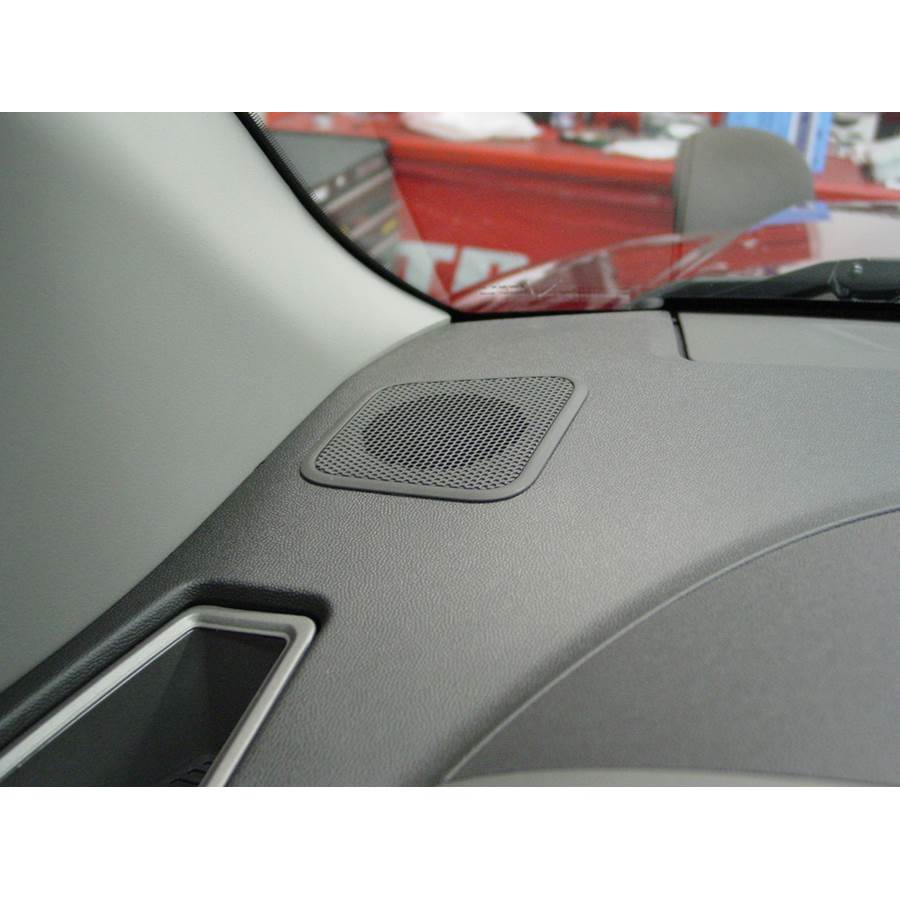 2009 Nissan Titan Dash speaker location