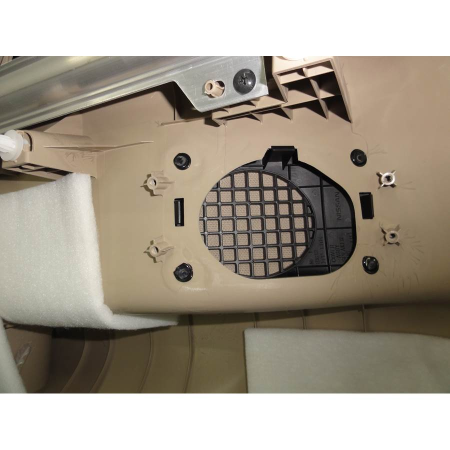 2016 Nissan Quest Far-rear side speaker removed