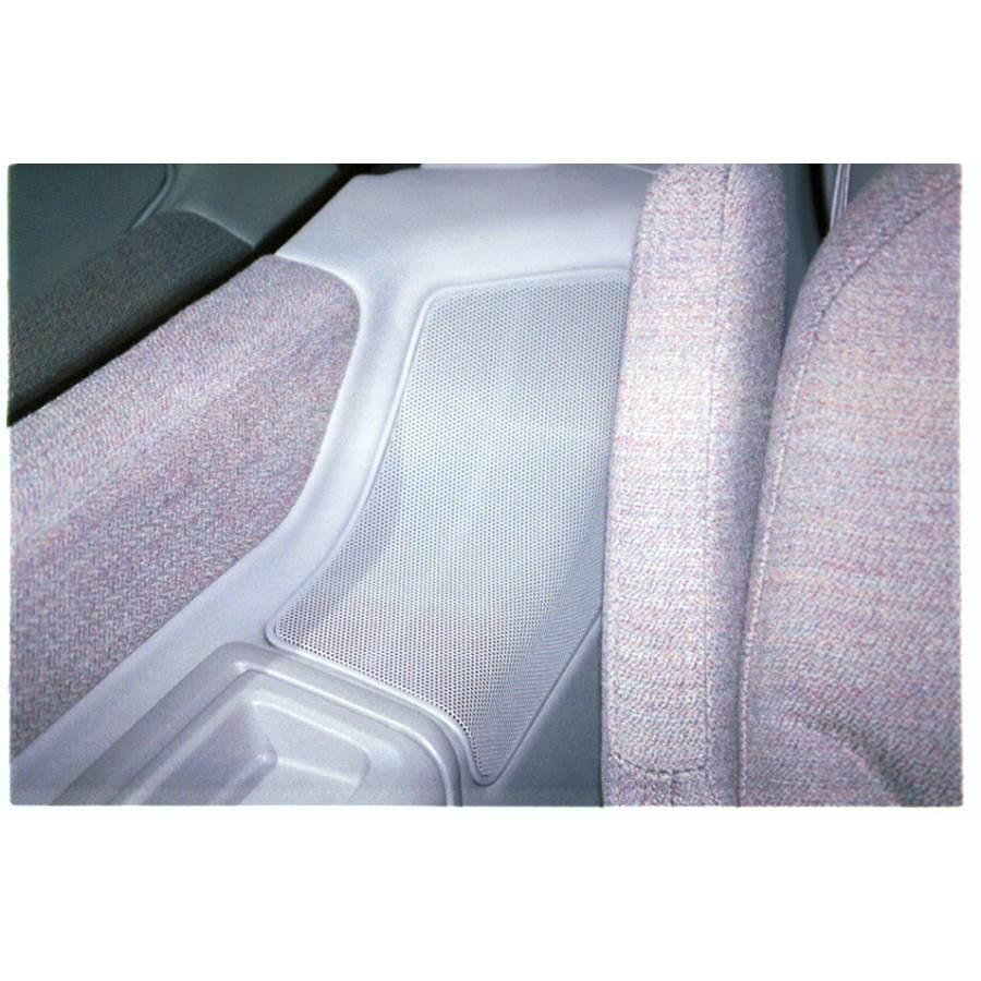 1997 Nissan Quest Mid-rear speaker location