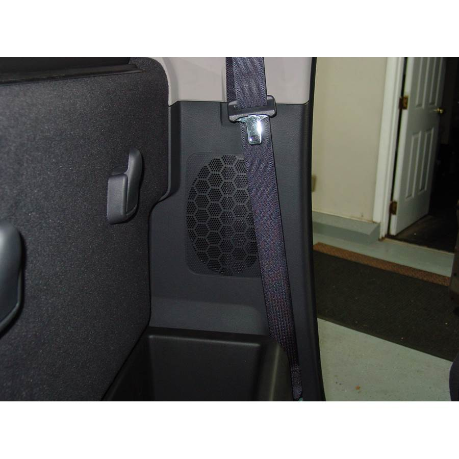 2010 Dodge Ram 5500 Rear cab speaker location