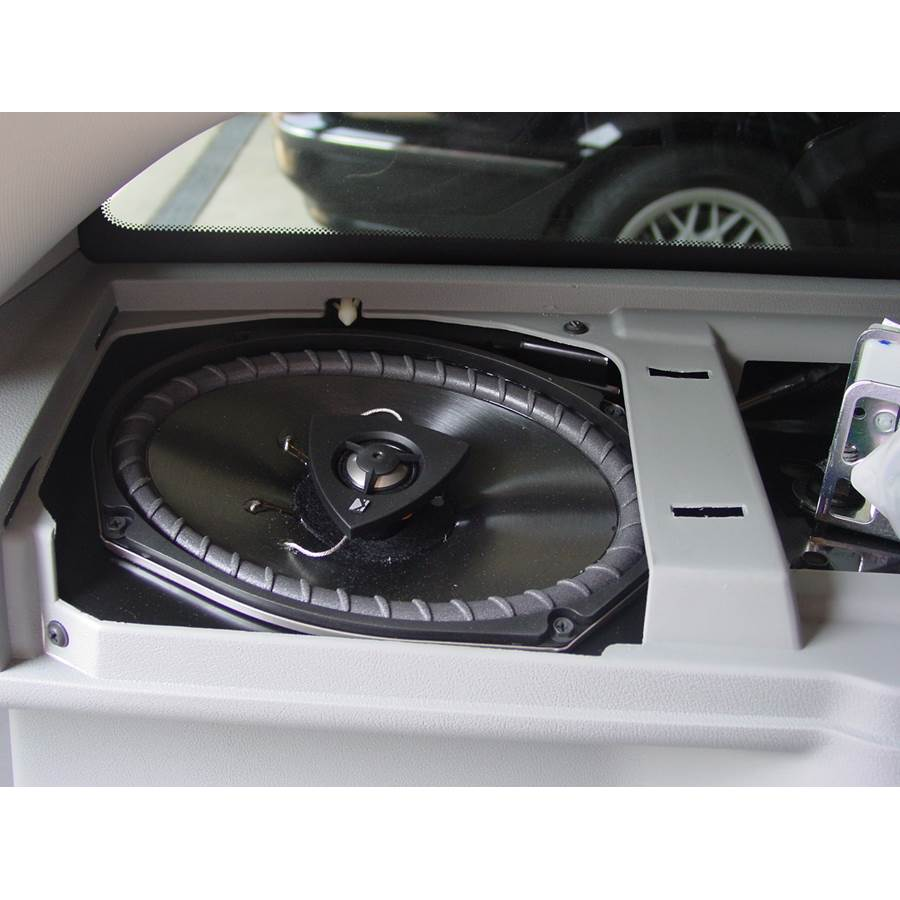 2006 Dodge Magnum Side panel speaker