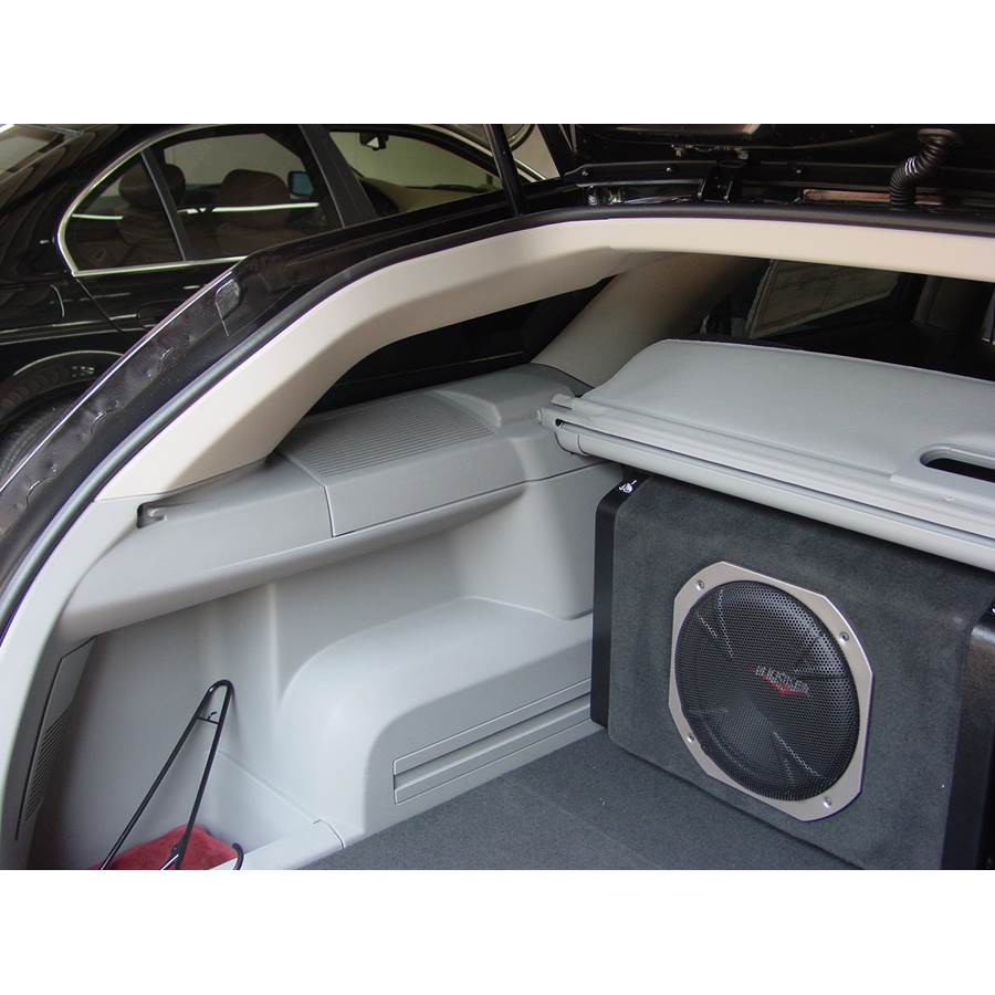 2006 Dodge Magnum Rear hatch speaker location