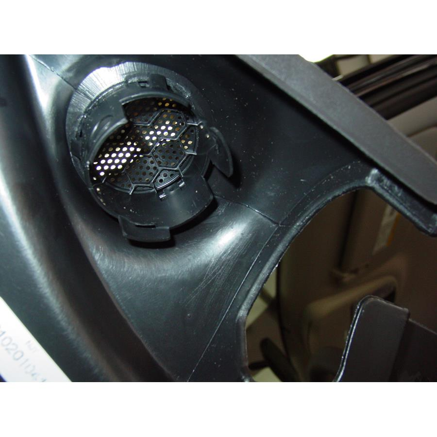 2016 Jeep Grand Cherokee Front door tweeter removed