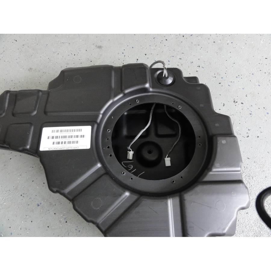 2016 Jeep Grand Cherokee Far-rear side speaker removed