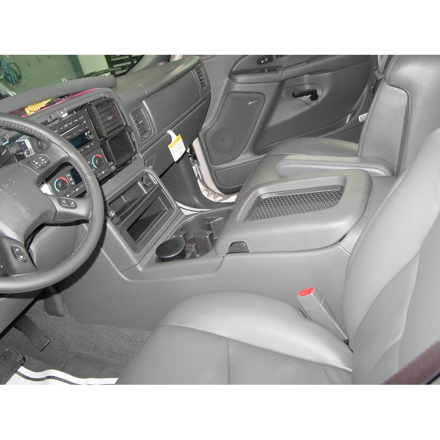 2004 GMC Yukon Denali Center console speaker location