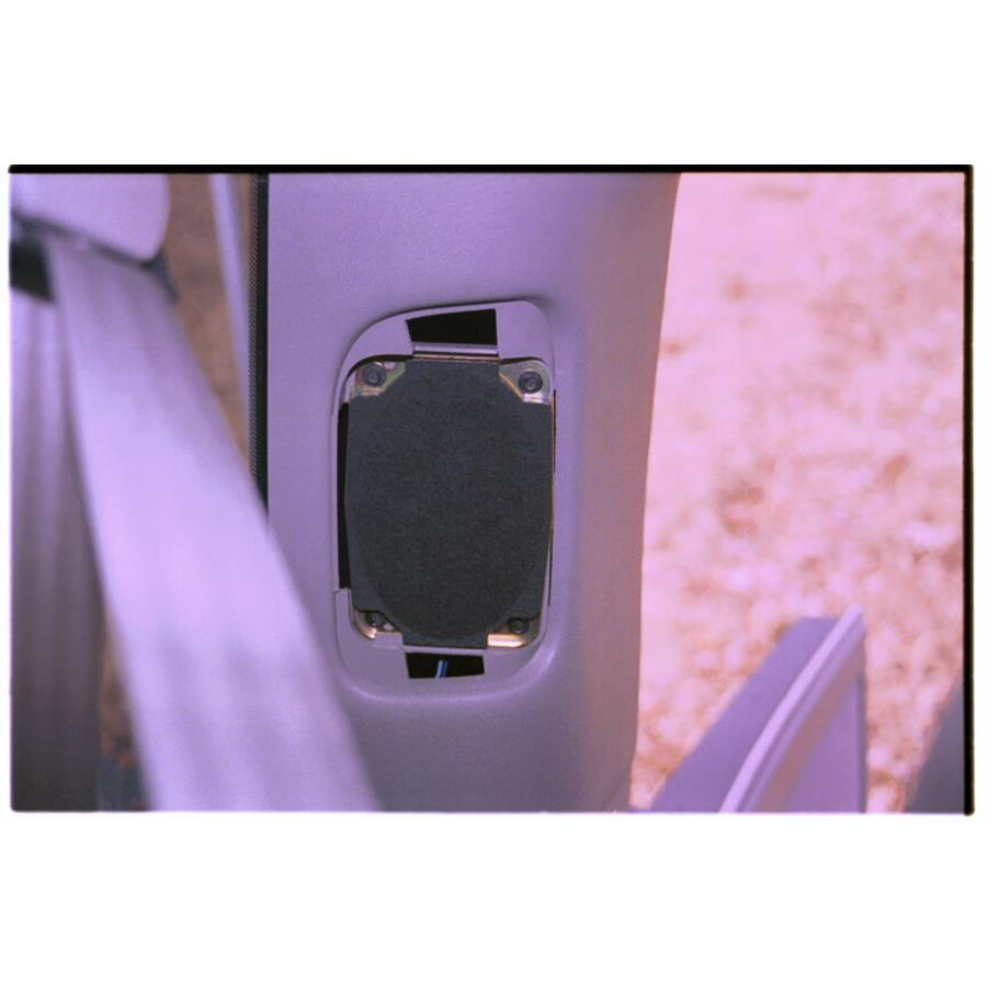 2005 GMC Safari Rear pillar speaker