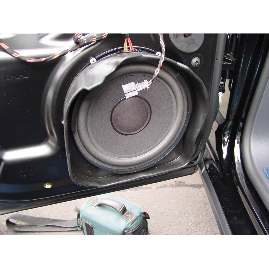 2009 Volkswagen Touareg 2 Rear door woofer