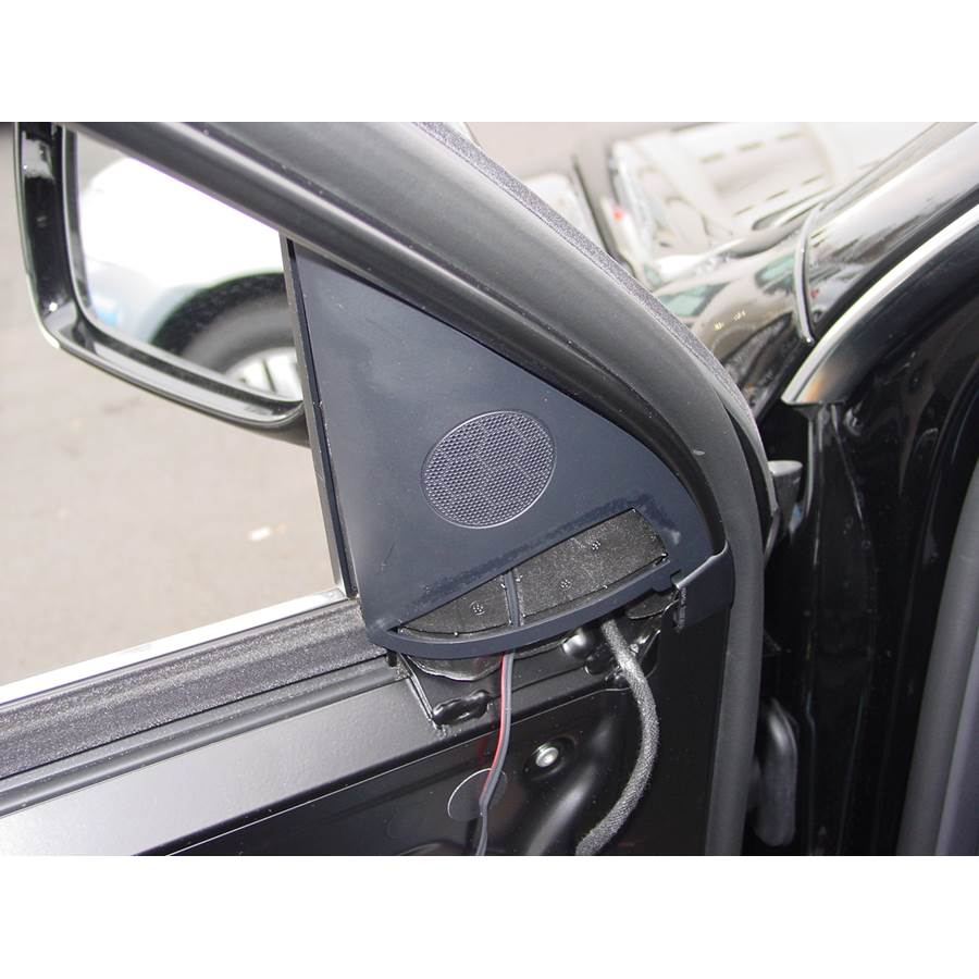 2009 Volkswagen Touareg 2 Front door tweeter location