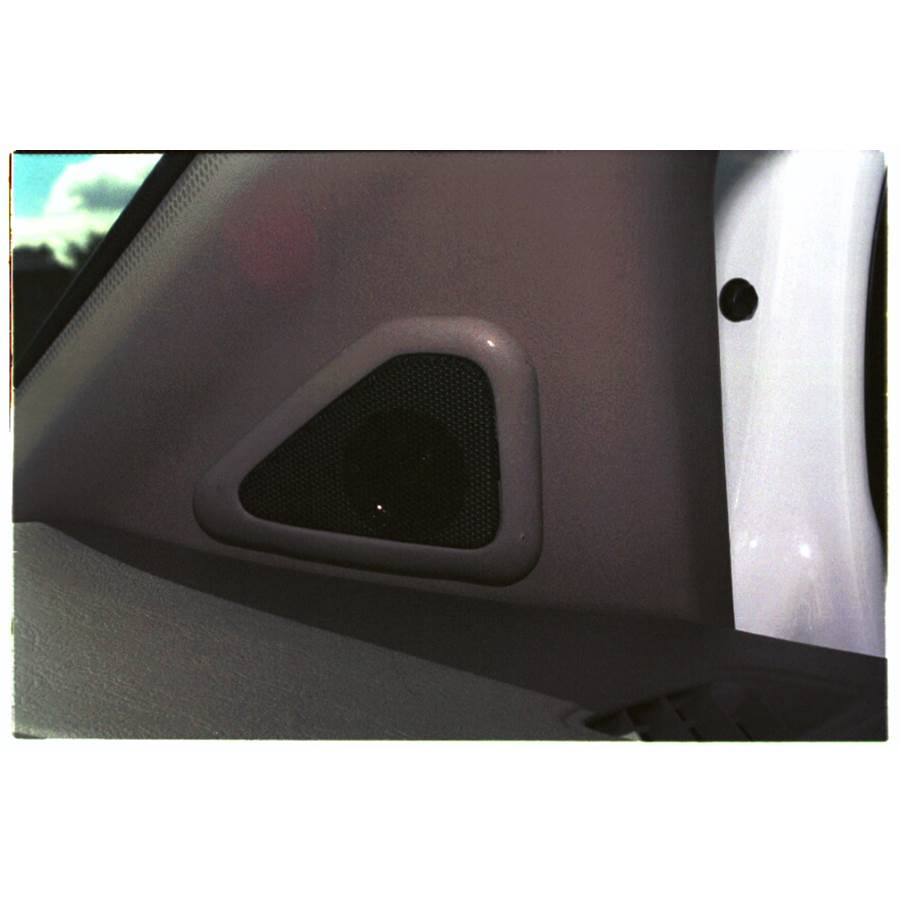 1999 Toyota Sienna Front pillar speaker location
