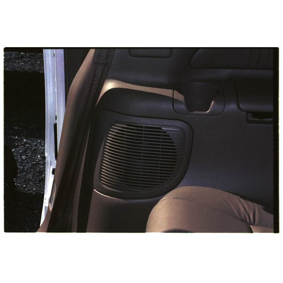 1999 Toyota Sienna Mid-rear speaker location