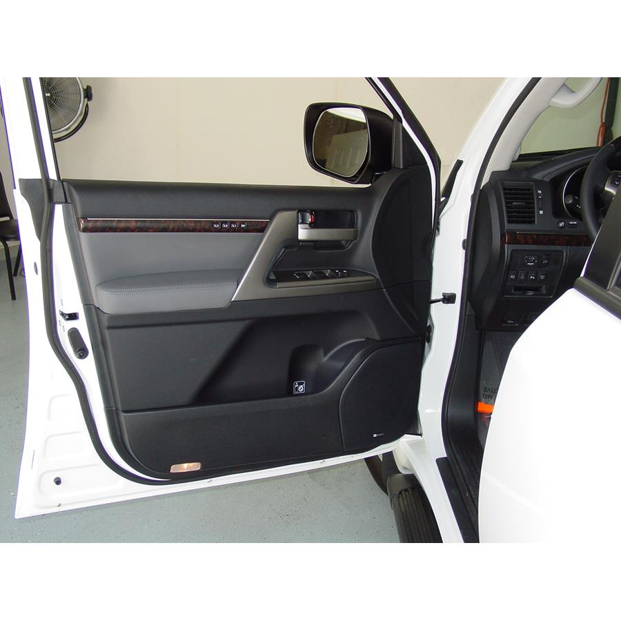 2011 Toyota Land Cruiser Front door speaker location