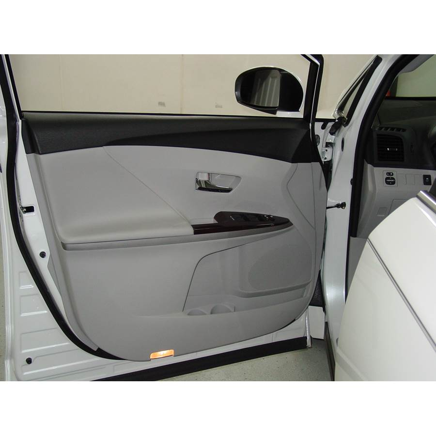 2013 Toyota Venza Front door speaker location