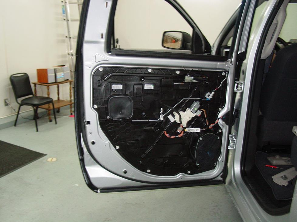 dodge ram crew cab rear door speaker
