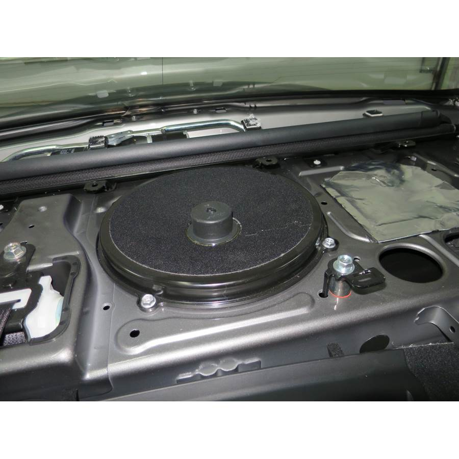 2013 Infiniti M35h Rear deck center speaker