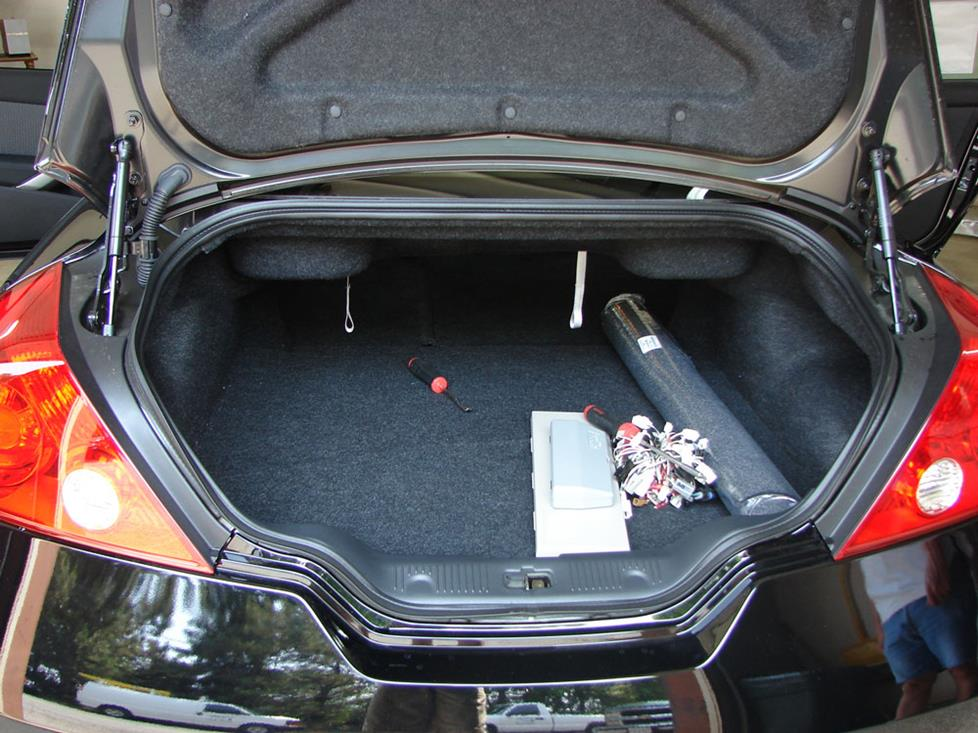 nissan altima coupe trunk