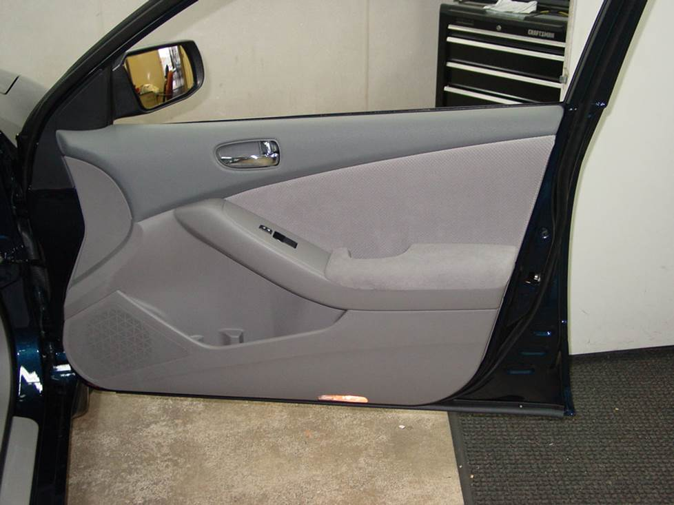 nissan altima front door